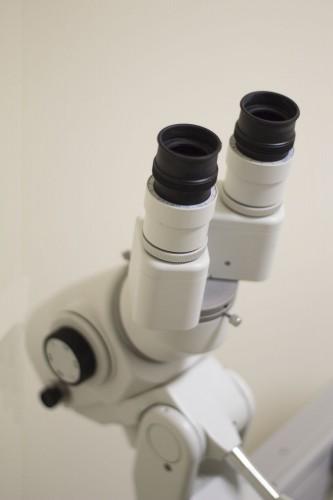Equipo de oftalmología en Estepona
