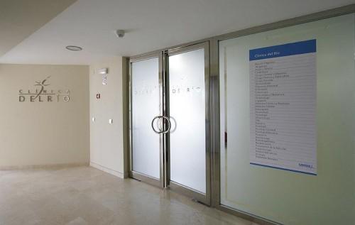 Clinica Del Rio en San Pedro de Alcántara - Entrada