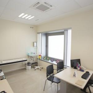Consulta de pediatría en Estepona vista desde la entrada