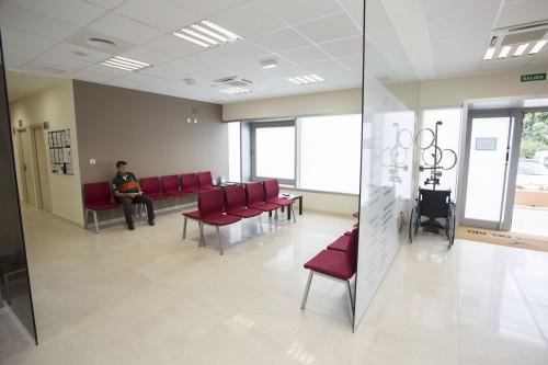 Sala de espera de la clínica en Estepona